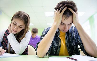 באיזה בית ספר הממוצע היה הגבוה ביותר במתמטיקה?