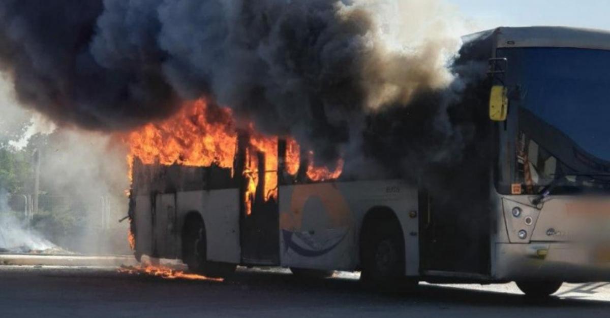 אין נפגעים ולא נגרם נזק לתחנת האוטובוס