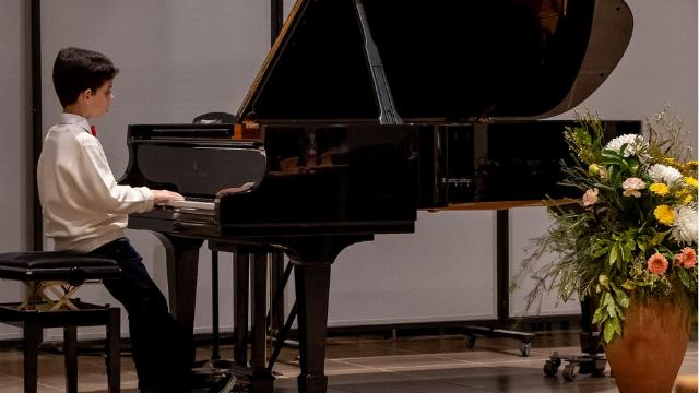 תחרות פנינה זלצמן לפסנתרנים