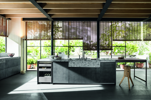 אסתטיקה עיצובית במיטבה, המשלבת בין משטח טראצו לחומרים של העידן החדש. מטבחי דאדא, טולמנ'ס