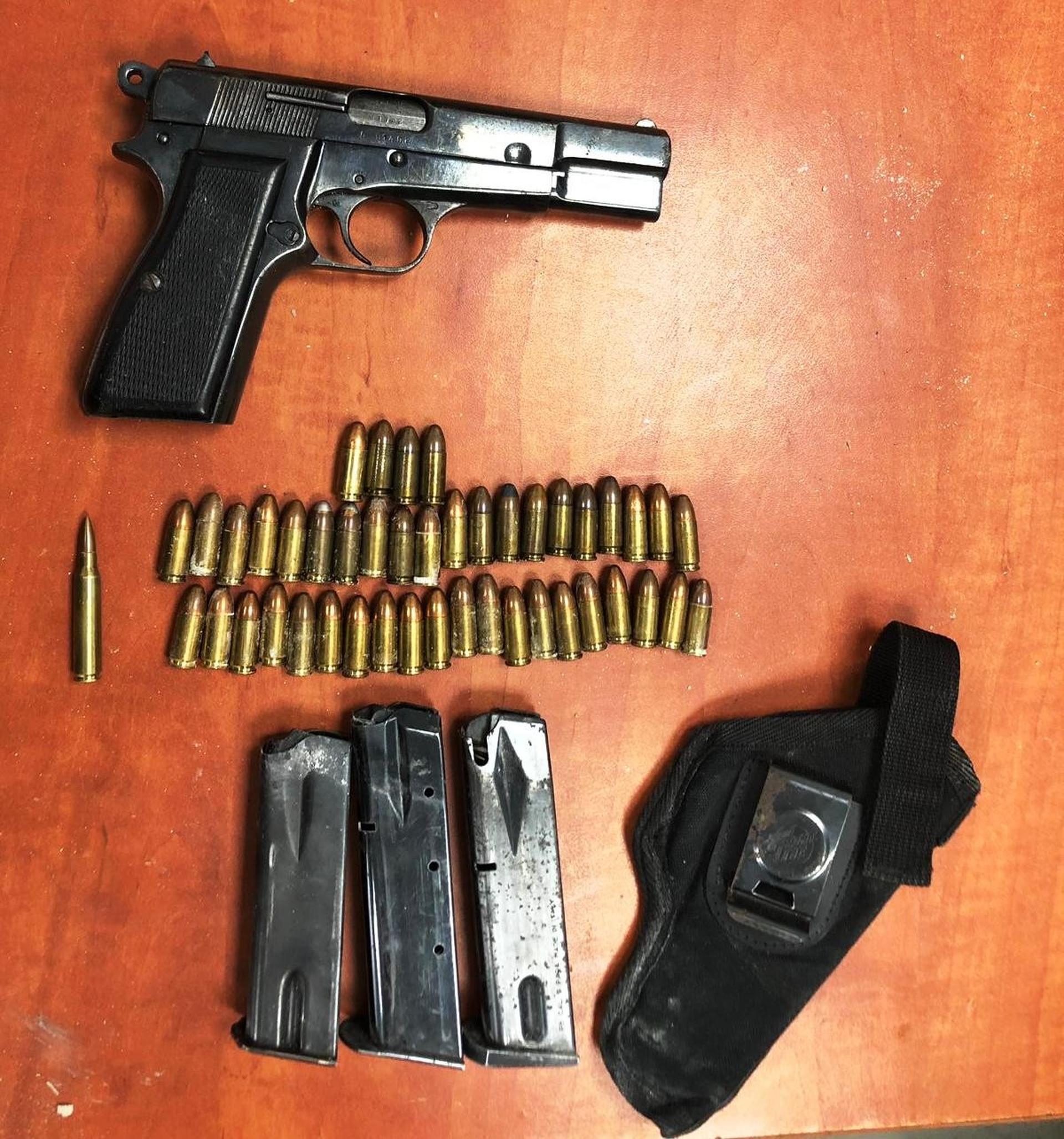 אקדח בצוריף. צילום: דוברות משטרת ישראל