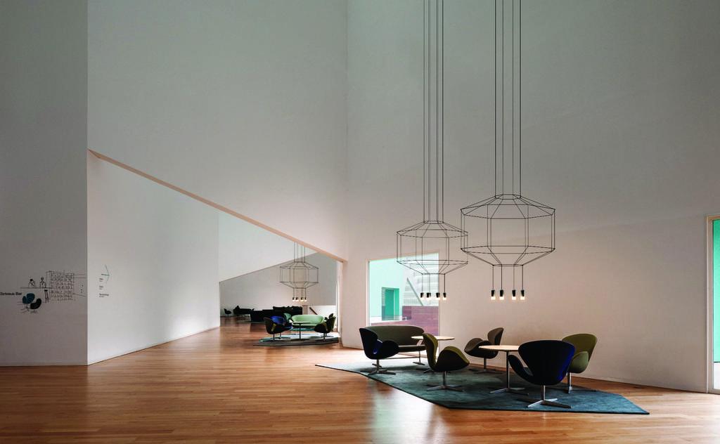 """קולקציית הנברשות המודרניות Wireflow שעיצב אריק לוי ל- Vibia , קמחי תאורה, צילום: יח""""צ"""